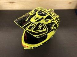 画像1: [在庫処分SALE] Troy Lee D3 Fiber Lite Helmet (Factory Flo Yellow)